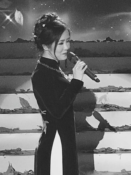 Diva Hong Nhung 'tuc gian', trach moc Dam Vinh Hung vi ly do khong ai co the ngo den nay - Anh 7
