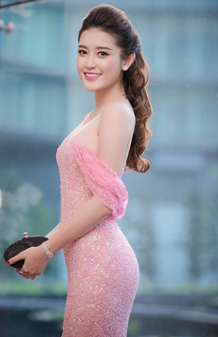 Hoa hau Dang Thu Thao ket hon: Soc truoc su nong nhiet cua hang loat sao Viet, hoa hau, a hau khi gui loi chuc mung - Anh 3