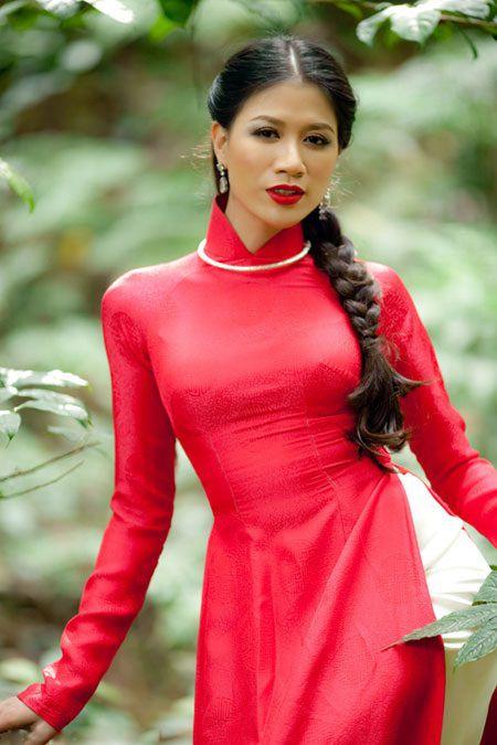 Hoa hau Dang Thu Thao ket hon: Soc truoc su nong nhiet cua hang loat sao Viet, hoa hau, a hau khi gui loi chuc mung - Anh 4