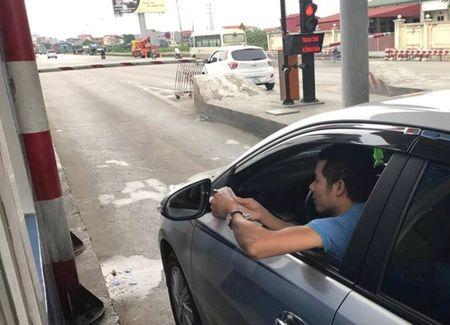Hung Yen: Dieu tra vu tai xe tra tien le qua tram QL5? - Anh 2