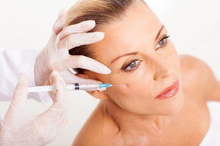 Tiem botox: Phuong phap su dung doc to de lam dep - Anh 2