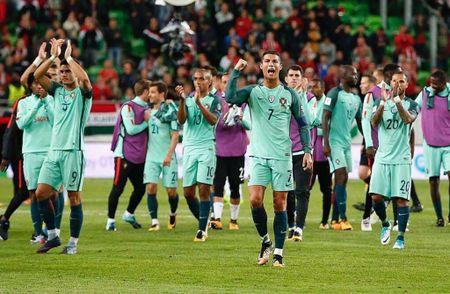 Ronaldo sam them sieu xe the thao Ferrari - Anh 4