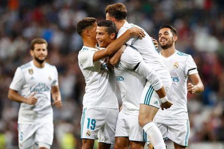 Ronaldo sam them sieu xe the thao Ferrari - Anh 9