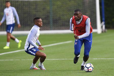 Tan binh cua Chelsea san sang ra mat o Premier League - Anh 8