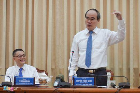 Bi thu Nguyen Thien Nhan: Khoi nghiep la phai ban duoc chat xam - Anh 1