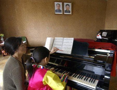 Cac mat hang Trung Quoc thay doi doi song nguoi Trieu Tien - Anh 6