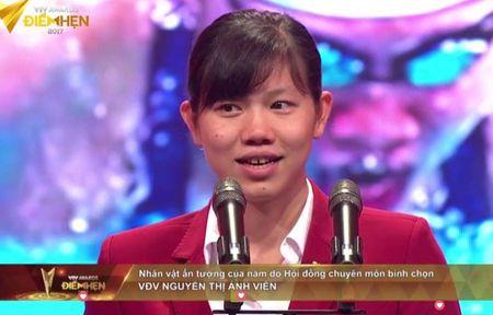 Anh Vien nhan giai Nhan vat an tuong cua nam tai VTV Awards - Anh 1