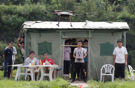 Dan Trung Quoc do xo lay bang lai UAV - Anh 1