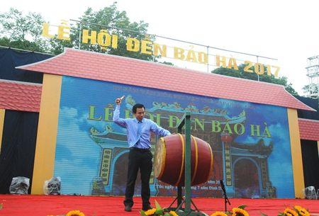 Khai hoi den Bao Ha - Anh 1
