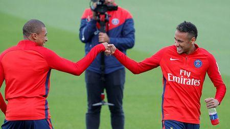 Bo doi dat nhat the gioi Mbappe va Neymar than thiet trong lan dau tap chung o PSG - Anh 1