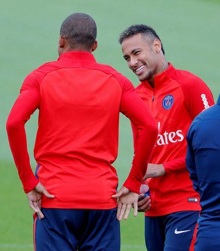 Bo doi dat nhat the gioi Mbappe va Neymar than thiet trong lan dau tap chung o PSG - Anh 5