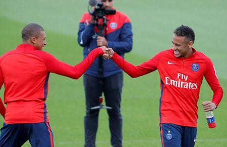 Bo doi dat nhat the gioi Mbappe va Neymar than thiet trong lan dau tap chung o PSG - Anh 6