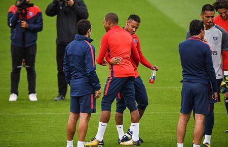 Bo doi dat nhat the gioi Mbappe va Neymar than thiet trong lan dau tap chung o PSG - Anh 7
