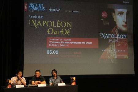Ra mat 'Napoleon Dai de' cuon sach do so nhat ve 'than chien tranh' Napoleon - Anh 1