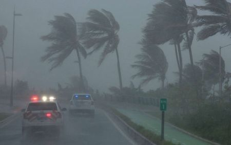 Bao Irma can quet Carribean, My chuan bi cac bien phap doi pho - Anh 1