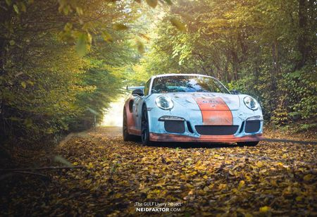 An tuong voi Porsche 911 GT3 RS trong 'bo canh' Gulf Racing - Anh 1