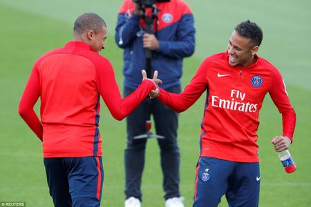 Can canh: Neymar hao hung chao don 'than dong' Mbappe o PSG - Anh 1