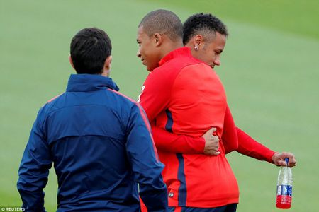 Can canh: Neymar hao hung chao don 'than dong' Mbappe o PSG - Anh 3