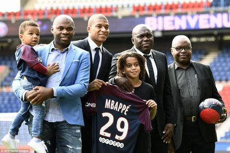 Can canh: Neymar hao hung chao don 'than dong' Mbappe o PSG - Anh 9