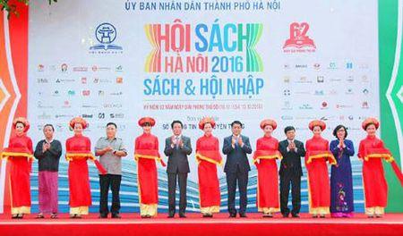 Hoi sach Ha Noi huong toi ngay giai phong Thu do - Anh 1