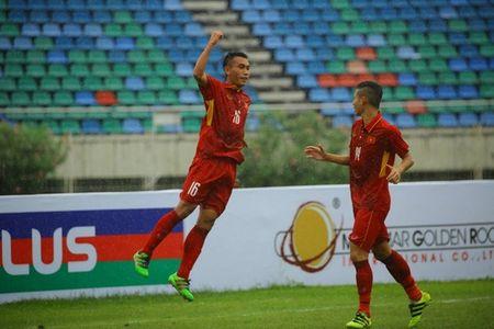 U18 Viet Nam 'quyet dau' U18 Indonesia tranh ve vao ban ket - Anh 1