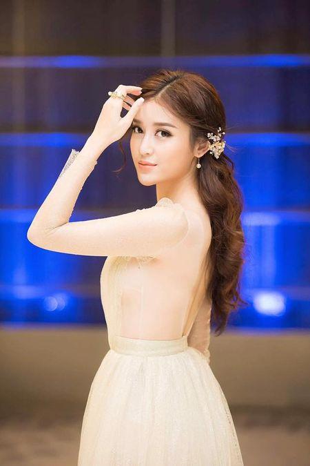 A hau Huyen My mac trong suot 'soan ngoi' nu than cua HH Thu Thao - Anh 5