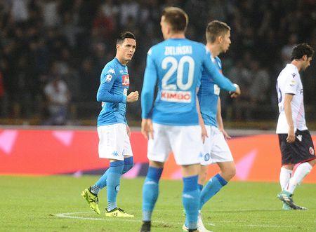 'Lot xac' hiep hai, Napoli theo sat Juve, Inter - Anh 2