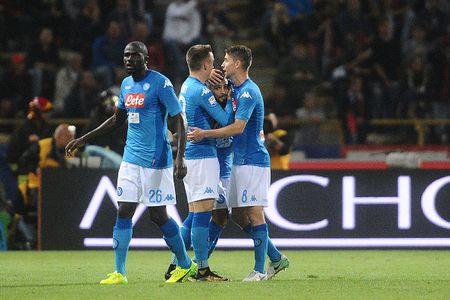 'Lot xac' hiep hai, Napoli theo sat Juve, Inter - Anh 3