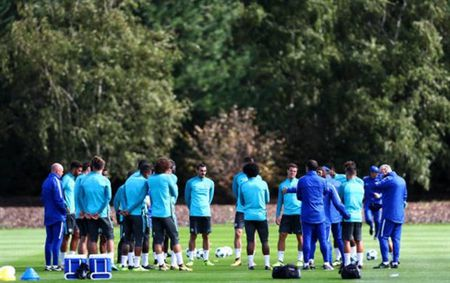 Hazard mau lua tap luyen, cho hieu lenh cua Conte - Anh 8