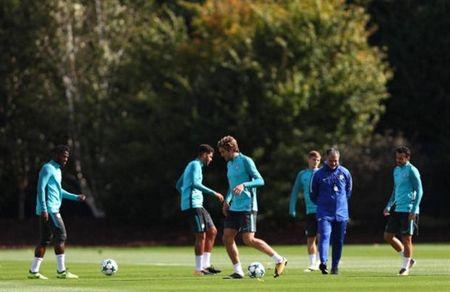 Hazard mau lua tap luyen, cho hieu lenh cua Conte - Anh 9