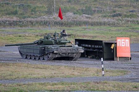Hoanh trang Ngay Chien si xe tang cua Quan doi Nga - Anh 13
