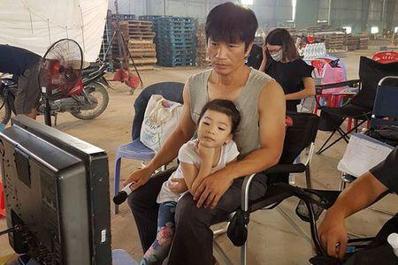 Hot Face sao Viet 24h: Con gai Dustin Nguyen den phim truong tham bo - Anh 1