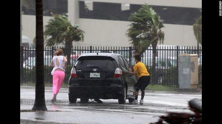 Kinh hoang sieu bao Irma tan pha bang Florida cua My - Anh 7