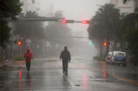 Kinh hoang sieu bao Irma tan pha bang Florida cua My - Anh 9