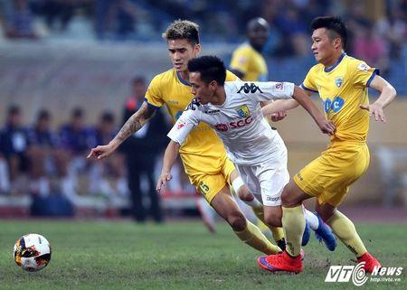 Dau an vong 17 V-League: HAGL choi xuat than, 6 ung vien canh tranh ngoi vo dich - Anh 2