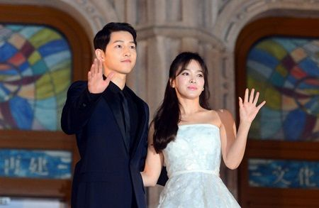Tiet lo dia diem chup anh cuoi dep nhu mo cua Song Joong Ki va Song Hye Kyo - Anh 1