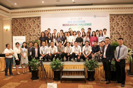 Cuoc thi Phan tich Dau tu 2017-2018 cua Vien CFA tai Viet Nam chinh thuc khoi tranh - Anh 2
