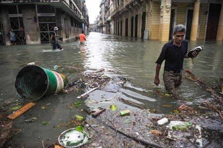 Can canh suc tan pha khung khiep cua sieu bao Irma vao Cuba - Anh 11