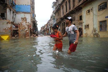 Can canh suc tan pha khung khiep cua sieu bao Irma vao Cuba - Anh 13