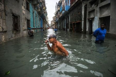 Can canh suc tan pha khung khiep cua sieu bao Irma vao Cuba - Anh 1