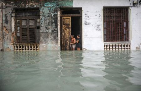 Can canh suc tan pha khung khiep cua sieu bao Irma vao Cuba - Anh 2