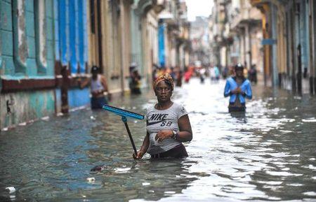 Can canh suc tan pha khung khiep cua sieu bao Irma vao Cuba - Anh 4