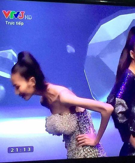 Cao Ngan gay tro xuong va chuyen hieu ung cua dam dong - Anh 2