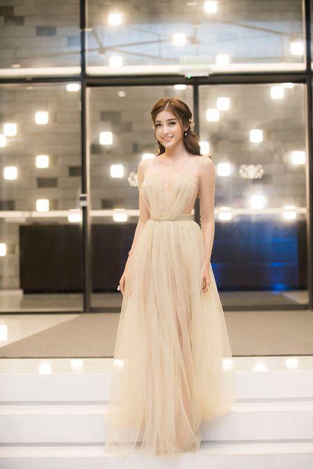 Sap len duong du thi Miss Grand 2017, A hau Huyen My ngay cang ho bao - Anh 2
