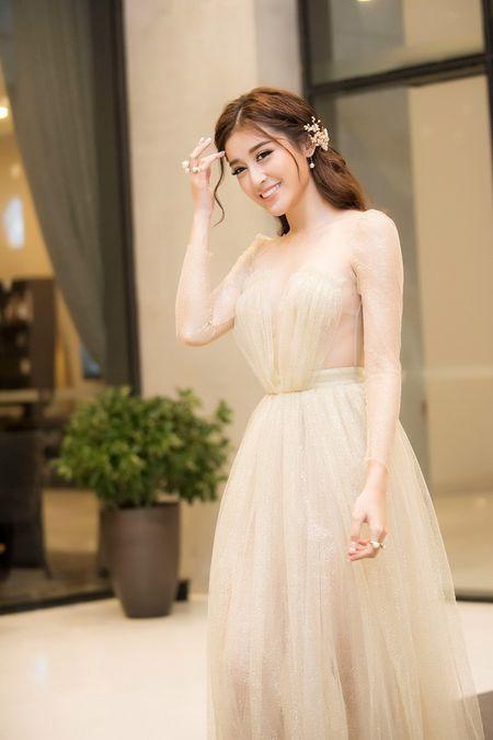 Sap len duong du thi Miss Grand 2017, A hau Huyen My ngay cang ho bao - Anh 4