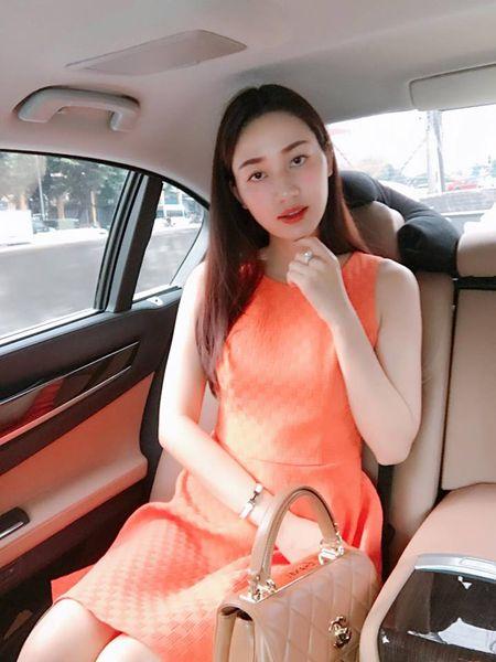 A hau Tra My ke 'kho' sau vai nam lay chong dai gia - Anh 1