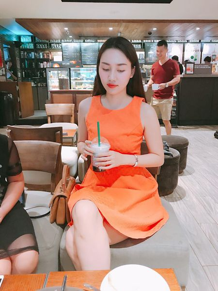 A hau Tra My ke 'kho' sau vai nam lay chong dai gia - Anh 2