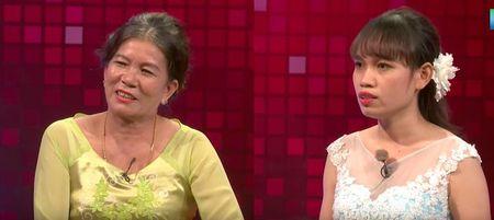 'Can loi' voi nang dau qua nguyen tac: khong cho me chong an com, doi du nguoi moi duoc an - Anh 1