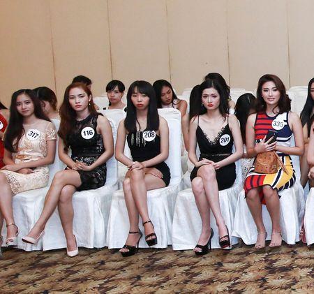 Cong dong mang day song, che bai nhan sac thi sinh Hoa hau Hoan vu Viet Nam - Anh 5