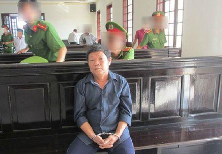 Bo, ong noi xam hai con gai ruot gay rung dong: Ong noi linh an tu chung than - Anh 1